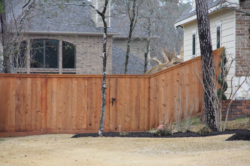 cedar does not warp or shrink and is a naturally stable material perfect for picket fence ornamental fence and private fence cedar wood fences stand the